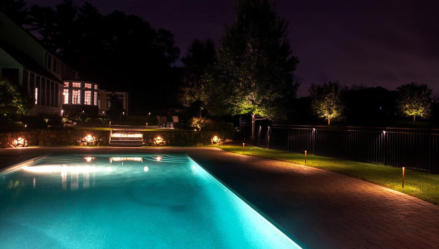 About Commonwealth Landscape Lighting